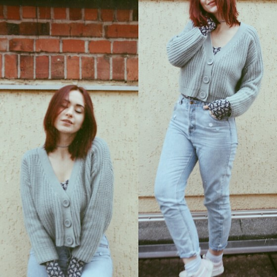 Polly Alba - Zaful Cropped Chunky Cardigan, Zaful Grey Velvet Choker, Vans Pastel Pink Sneakers, Bershka Mom Jeans - Out of the Blue