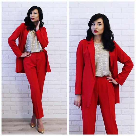 Judyta Rybka -  - Red suit