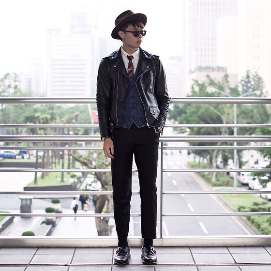 Anan Chien - Yango Hat, Agnesb Tip Clips, Leather Jacket, Dr.Martens Shoes - Today's lookbook