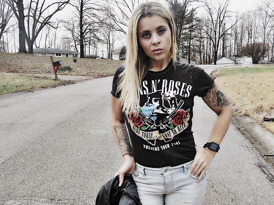 Nadine Sanders - Hot Topic Guns N Roses Shirt - Here today...Gone to Hell