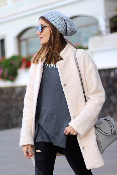 Marianela Yanes - Christian Dior Sunglasses, Michael Kors Bag, C&A Coat, Zara Jeans - FEELING GREY