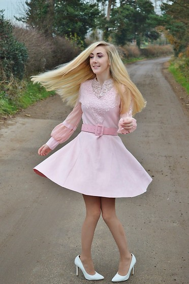 Isobel Thomas - Style We Pink Vintage Suedette Dress, Primark White Court Heels - Pink Swirl