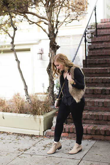 Kelsey O'Brien - American Eagle Outfitters Black Jeggings, Sole Society Faux Fur Vest, Bcbgeneration Bootie - All Black & Faux Fur