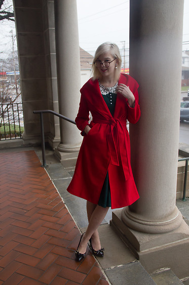 Bree Fesh - Light In The Box Green Dress, Light In The Box Red Coat - Ardent Academic