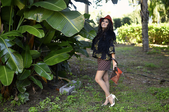 ManueLita - By Alis Blouse, By Alis Shorts, Gianvito Rossi Shoes, Gemelle Toscane Bag, Pinko Faux Fur - Winter in by Alis