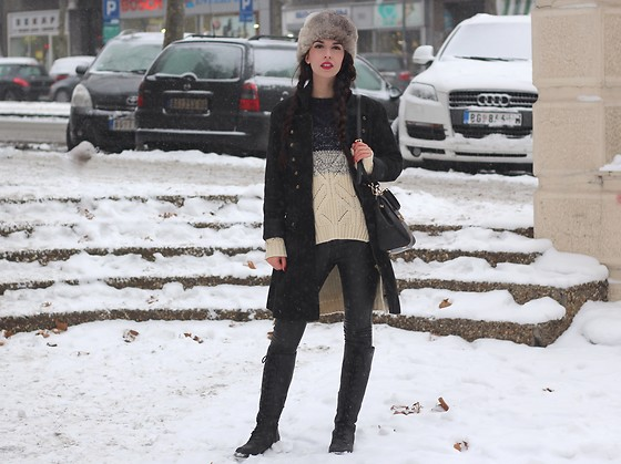 Jelena - Sam Edelman Winter Boots, Michael Kors Leather Bag, Zaful Ombre Sweater - Military coat take two