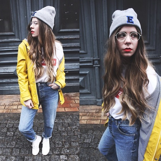 Elaine Hennings - Asos Beanie, Retrosuperfuture Glasses, H&M Jumper, H&M Mom Jeans, Petit Bateau Jacket, Reebok Sneakers - YOU MATTER