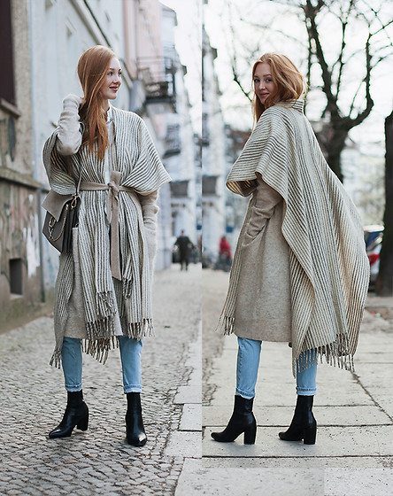Jorinna Scherle - & Other Stories Wool Jacket, Mexican Poncho, Bought Onlocation / Mexico, Topshop Mom Jeans, Vagabond Boots, Chloe Bag - Warm & cozy / Berlin Fashion Week Street Style