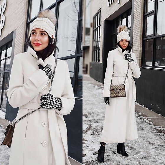 Amber - Maxmara Ehite Long Wool Coat, Faux Fur Pom Toque, Ralph Lauren Houndstooth Gloves, Gucci Dionysus Bag - Winter Whites