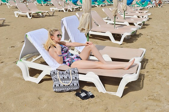 Isobel Thomas - Rosegal Swimsuit, Sammy Dress Beach Bag, Topshop Ivy Park Sliders - Floral Swimsuit