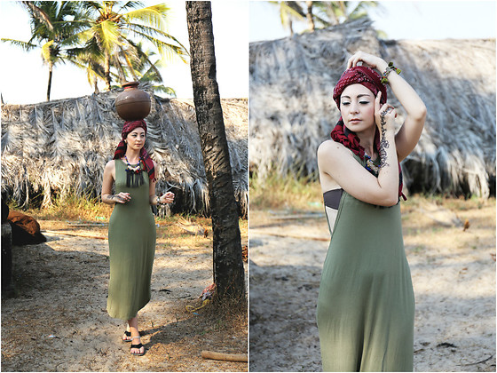 Aleksandra L. - Justmystyle Dress, Prepiece Necklace - GOA PHOTO DIARY