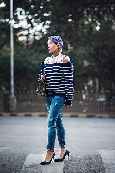 Nilu Yuleena Thapa - Chic Wish Cold Shoulder Sweater In Navy - Stripes