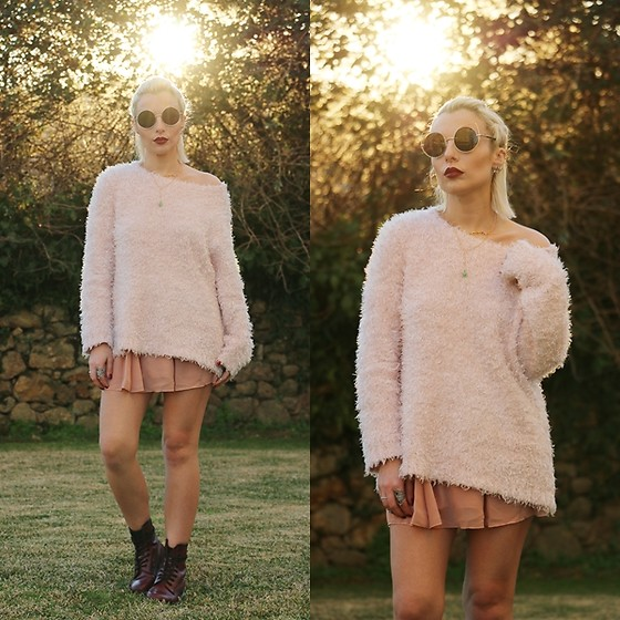 Cátia Gonçalves - Primark Sweater, Rosegal Skirt, Dr. Martens Boots - We chase misprinted lies, We face the path of time