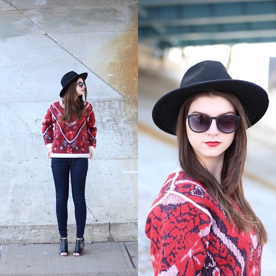 Tracie Marie - & Other Stories Patterned Sweater - Red for Valentine's Day
