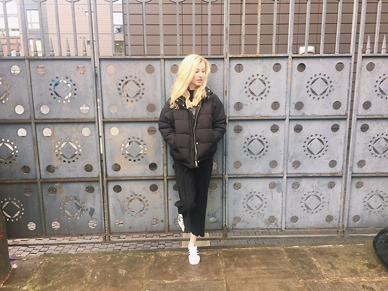 Bec Oakes - Urban Outfitters Puffer Jacket, Brandy Melville Usa Mock Turtleneck Jumper, Urban Outfitters Pleated Culottes, Adidas Superstars - Black, white & grey all over