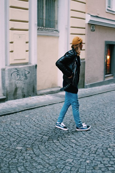 Richy Koll - Vans Sneakers, Cheap Monday Jeans, Vans Sweater, Urban Outfitters Leatherjacket, Reebok Cap - 'It feels like Urban Outfitters'