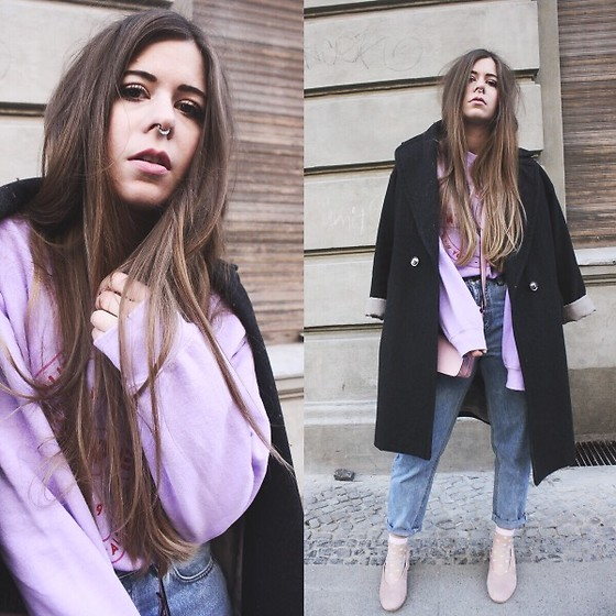 Elaine Hennings - Urban Outfitters Jumper, H&M Coat, Cos Pumps, Pull & Bear Mom Jeans, Asos Bag - 90's Chic