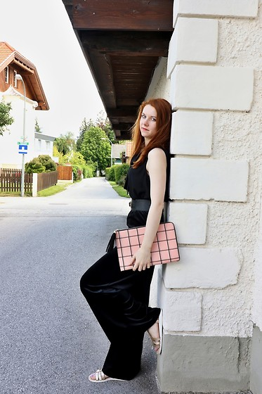 Lucka S. - New Look Bag - Black jumpsuit