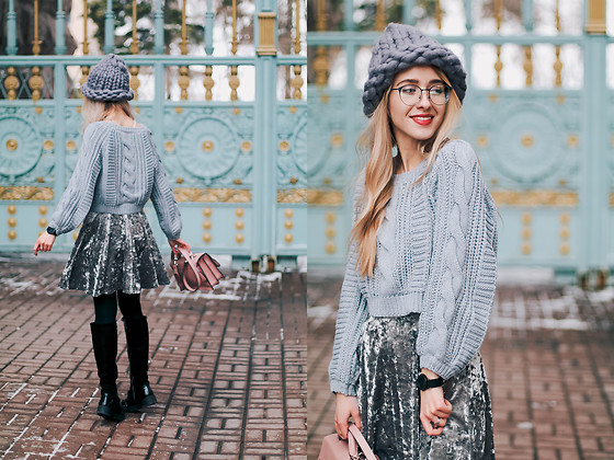 Anna Pogribnyak - Romwe Sweater, Nobody's Child Dress, Tijn Eyewear Glasses - Sweater over the dress