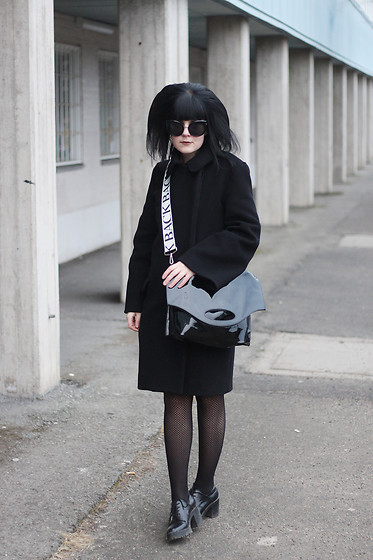 Panda . - Quay Sunglasses, Acne Studios Coat, Back Bag, Zara Shoes - BLACK + BACK