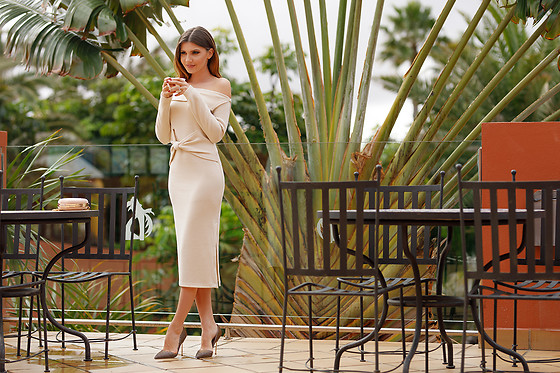 Larisa Costea - Chicwish Dress - Cream knot