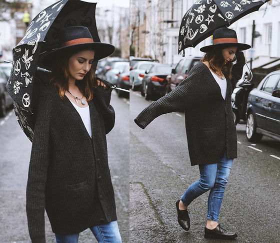 Denisia A. - Acne Studios Grey Wool Cardigan, Topshop Blue Jeans, Rocket Dog Oxford Shoes, Moschino Umbrella, H&M Wool Hat, Cos White Top - Dancing in the rain