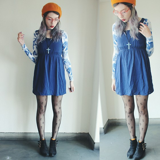 Candy Thorne - Monki Floral Bodysuit, ダイコク100 Number Tights - Clementine