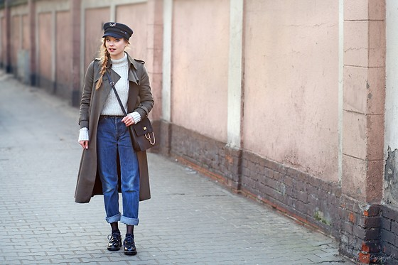 Juliette Jakubowska -  - ARMY GREEN COAT AND LEVIS JEANS