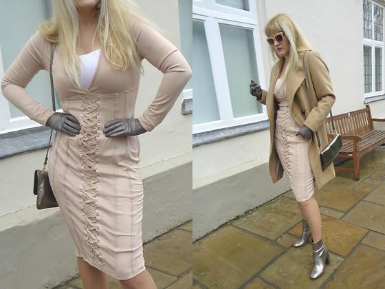 Alice Liddell - Missguided Dress, Warehouse Bag - Pale, Beige and Laced