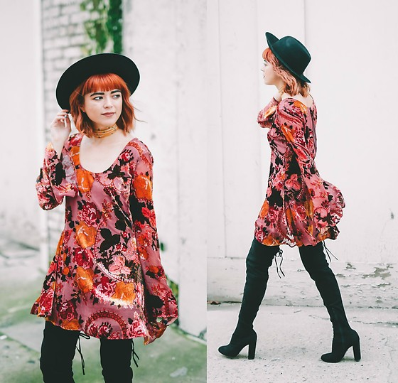 KENDALL SANCHÈZ - It's Kendall Kay Style Blog, Star Studded Choker, Black Thigh High Boots, Velvet Floral Dress, Black Hat - Bell Bottomed Sleeve Dress?? YES!!!