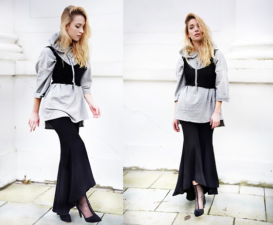 TripByTriplets B. - H&M Shoes, Zara Flared Trousers, Zara Corset Top - FLARE LOVE