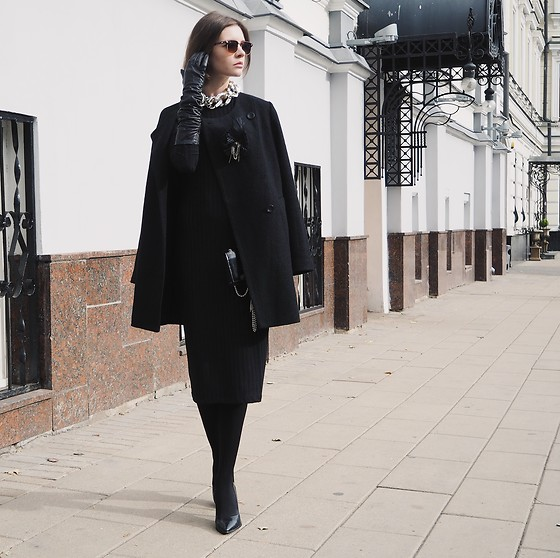 Anna Brain - Incity Coat, Incity Dress, Ray Ban Sunglasses, Christian Louboutin Heels - CLASSIC