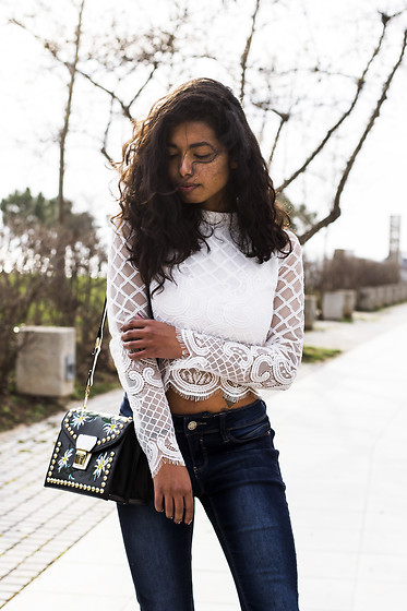 Konstantina Antoniadou -  - Spring style with lace and denim