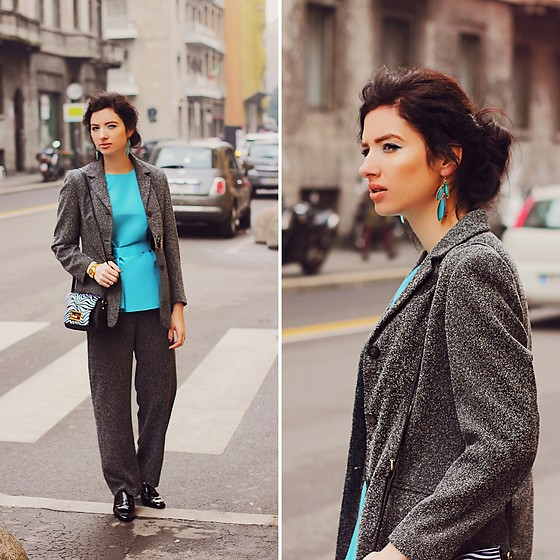 Natasha Karpova - Zara Heels, Vintage Grey Suit, Pepen Blouse, David Jones Print Bag, Swatch Gold Watch - Walking around Milan