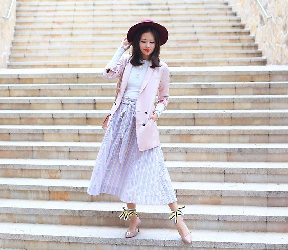 Mayo Wo - Initial Pink Blazer, Lisa Marie Fernandez Striped Skirt, Le Saunda Bow Heels - Bows make everything prettier