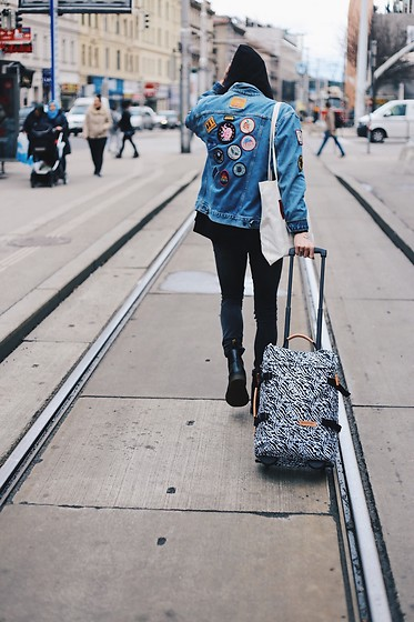 Richy Koll - Dr. Martens Chealse Boots, Urban Outfitters Backpack, Cheap Monday Jeans, Sweater, Levi's® Baggy, Levi's® Jeansjacket - Travel as much as you can with @urbanoutfitters