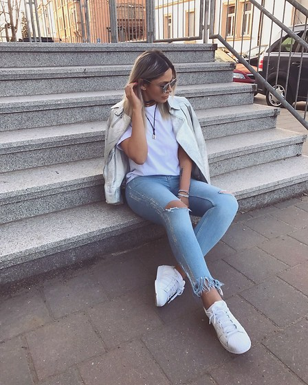 Jasmin Lamia - Zara Silver Detail Jeans, Patrizia Pepe Silver Biker Jacket, Missguided Sunglasses - SILVER HIGHLIGHTS ?