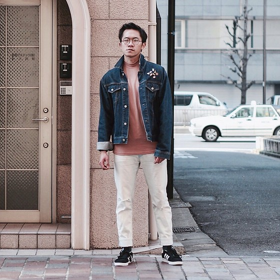Effendy Sigit - Uniqlo Denim Jacet, Zara Warm Pink Short Turtle Neck, Gu Rip Denim, Adidas Campus Sneakers - Spring Lookbook