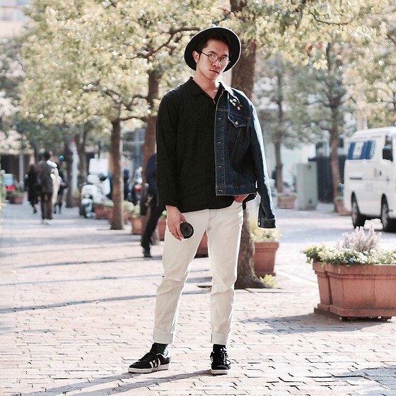 Effendy Sigit - Uniqlo Denim Jacket, Wego Silky Shirt, Rip Denim, H&M Wide Hat, Adidas Sneakers - A good day