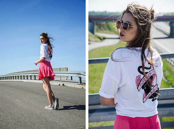 Marcela Wlodarczyk - Reserved Tshirt, H&M Skirt, Deezee Slipon - Not ur babe