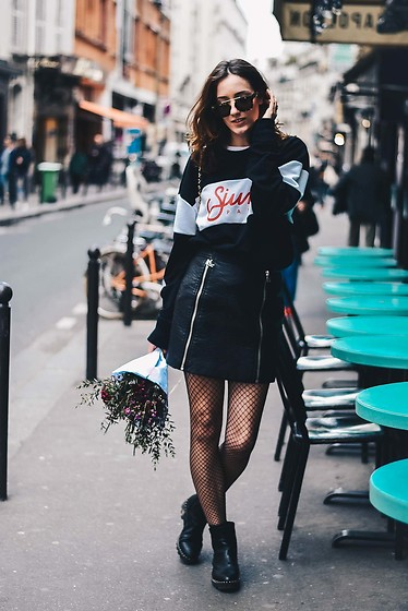 Laugh of Artist - Sixthjune Sweat, Eleven Paris Skirt, Minelli Boots - Oversize sweat + leather skirt