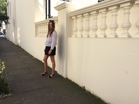 Lauren Woodward - Zara Blouse, Isabel Marant Skirt, A.P.C. Sandals - Spring outfit