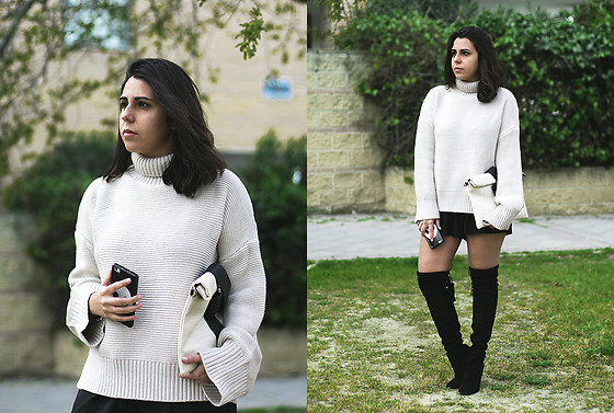 Elsa Gervasi - Rosegal Sweater, Sammydress Short, Zaful Clutch, Gloria Ortiz Boots - Beige Sweater