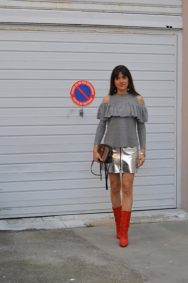 Jeanne -  - Ruffle Cold Shoulder Tee Shirt and Metallic Miniskirt