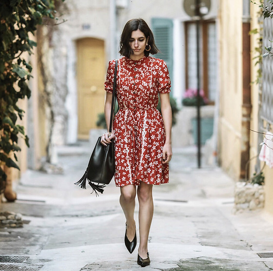 Aria -  - The red floral dress