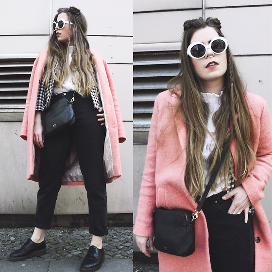Elaine Hennings - Topshop Coat, Monki Sunglasses, Fossil Bag, H&M Blouse, Pull & Bear Jeans, Dr. Martens Shoes, Zara Jacket - From Outer Space