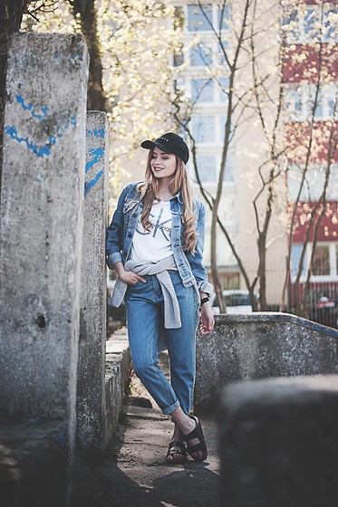 Juliette Jakubowska -  - Jeans total look