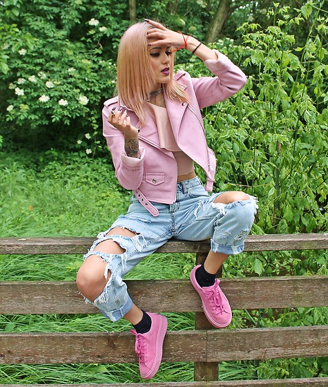 Karen Cepeda - Bershka Leather Jacket, Pull & Bear Boyfriend Jeans, Pull & Bear Top, Puma Pink Trainers - OH, MY DEAR