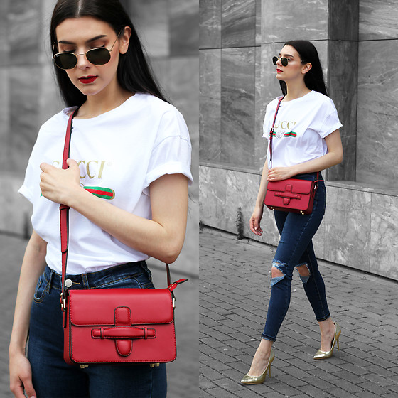 CLAUDIA Holynights - Ray Ban Hexagonal Sunglasses, Vipme Red Bag, In The Style Jeans, Public Desire Pumps - The red bag