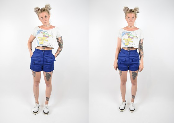 Owlephant Vintage - Vintage Bart Tee, Vintage 70s Camping Shorts, Yru White Platform Dress Shoes - #CyberSummer 2